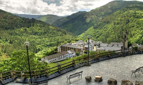 Rutas para disfrutar del agua y la naturaleza en otoño en los bosques de Asturias