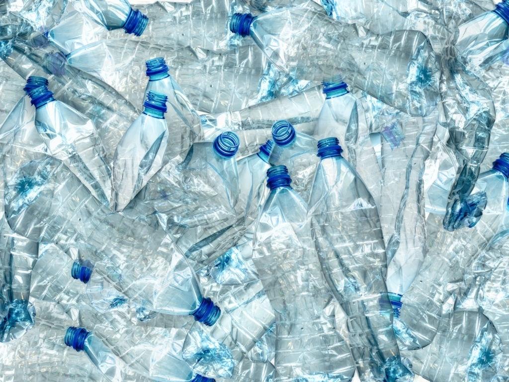 por qué usar botellas que no sean de plástico