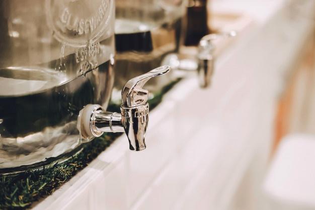 dispensadores de agua en restaurantes y hoteles
